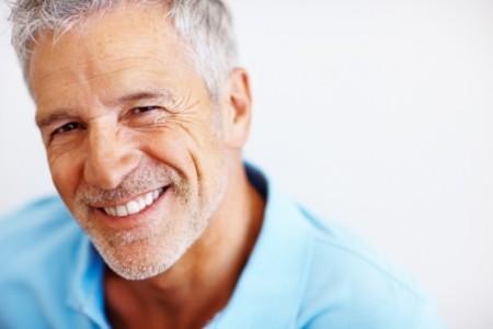 Чи варто боятися імплантації зубів?