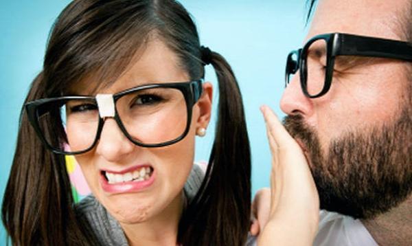 Запах з рота. Симптом нової хвороби чи халатність?