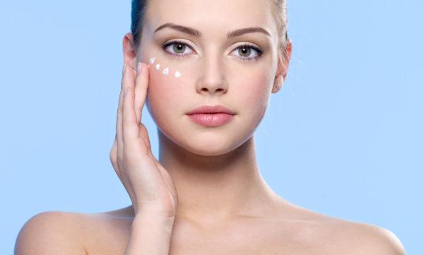 Как избавиться от темных кругов: от ухода до макияжа